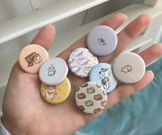 Neko Atsume, Kawaii Accessories, Button Badge, Pin And Patches, Cute Pins, Clay Art, Badges, Stationery, Pretty