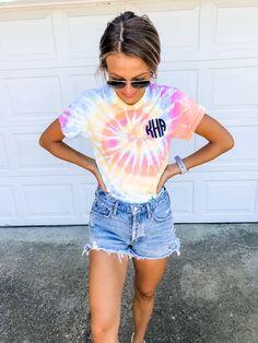 Sep 2019 - Tie-Dye Monogram T-Shirt – Arden and Gold Cute Tie Dye Shirts, Tie Dye Tops, Tie Dye Shorts, Dye T Shirt, Diy Shirt, Tye Dye, Camisa Tie Dye, Batik Mode, Monogram T Shirts