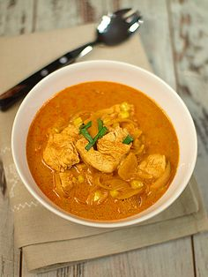 Błyskawiczne curry z kurczaka z dodatkiem kukurydzy