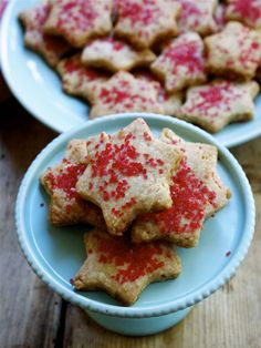 Cashew Shortbread Cookies // inpursuitofmore.com #vegan #cookies #Christmas
