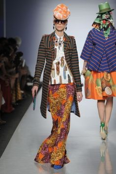 Ethnic Fusion --- Ethical fashion takes the runways at Alta Moda Alta Roma 2013 - Stella Jean Africa - fabrics made in Africa by Burkina Faso wavers African Inspired Fashion, African Print Fashion, Africa Fashion, Ankara Fashion, Fashion Mode, Ethical Fashion, Womens Fashion, Fashion News, African Attire
