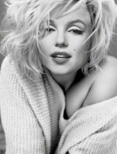make up looks natural brunette Marilyn Monroe Kunst, Marilyn Monroe Cuadros, Marilyn Monroe Wallpaper, Marilyn Monroe Poster, Marilyn Monroe Quotes, Norma Jeane, Vintage Hollywood, Ideias Fashion, Makeup Looks