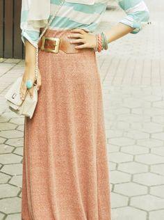 Sweet combination bymyamethyst-shea. Loving the skirt. ;)