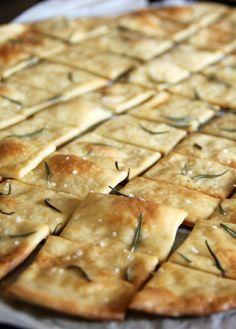 Crackers caseros - Pimienta y Purpurina, Vegetarian Recipes, Snack Recipes, Healthy Recipes, Easy Snacks, Easy Meals, Artisan Bread Recipes, Super Cookies, Homemade Crackers, Snacks Saludables