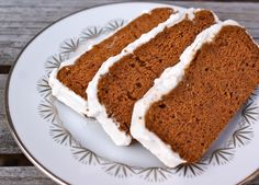 Grain Free Carrot Cake with Cream Cheese Frosting Ingredients 5 whole Carrot, Raw, peeled and shredded 1 cup Maple Syrup, Grade B cup Coconut Flour, sifted 1 Tbsp Ground Cinnamon 1 tsp Baking S… Gluten Free Sweets, Paleo Sweets, Paleo Dessert, Real Food Recipes, Cake Recipes, Dessert Recipes, Coconut Cream Frosting, Coconut Frosting, Paleo Carrot Cake