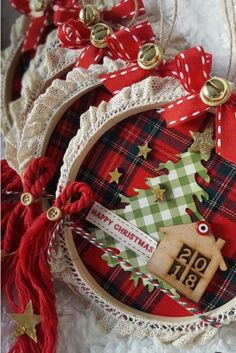 Diy christmas ornaments 646055509022549547 - 16 Awesome DIY Easy Christmas Ornaments Design Ideas Source by roomydeas Diy Christmas Decorations For Home, Rustic Christmas Ornaments, Holiday Crafts, Homemade Christmas, Simple Christmas, Christmas Wreaths, Christmas Crafts, Christmas Christmas, Christmas Design