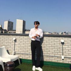 64 ideas for fashion week street style minimal Korean Fashion Trends, Korea Fashion, Asian Fashion, Boy Fashion, Trendy Fashion, Mens Fashion, Fashion Outfits, Poses For Men, Korean Men