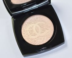 Possibly the Most Gorgeous Highlighter Ever Created!