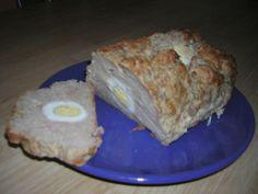 Do pomletého mäsa pridáme dve vajcia,pretlačný cesnak,pomletú alebo na jemnučko pokrájanú cibuľu,soľ...