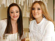 Jennifer Lopez Helped her BFF Leah Remini Leave Scientology #Friendship, #JenniferLopez, #LeahRemini, #Scientology #Hollywood