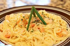 Easy Shrimp Scampi - Seafood pasta that's only 4 Weight Watchers Points?  Yes please.