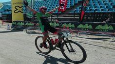 El placentino Alberto Trujillo del equipo Extremadura-Ecopilas ha inscrito su nombre en el palmarés del circuito Titán Extremadura Tour 2017 en la modalidad de bike maratón.