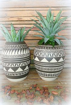 I throw these vase on the wheel, then colored it with black slip, carved Accuracy by hand and fired at a temperature of 1200 º C to ensure its durability.  My inspiration for this vase came from the native america calture which I adore :)  Each vase get full Investment and get this unique look.  ►listing is for 1 planter(the one in the middle) ►Contains small hole in the bottom for drainage ►you will get the planter without the succulent :)  Vase measures A  17 cm / 6.6 inch high 10.5 cm/4…