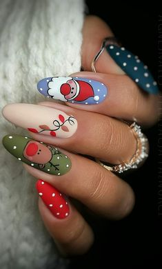 this christmas awesome nails design ideas and nail polish - page 45 of 56 - daily women b . - this christmas awesome nails design ideas and nail polish – page 45 of 56 – daily women blo - Cute Christmas Nails, Christmas Nail Art Designs, Xmas Nails, Holiday Nails, Red Nails, Merry Christmas, Christmas Design, Green Christmas, Simple Christmas