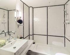 ¿Os gusta el diseño creado por Lazaro Rosa Violan en el H10 Hotels Catalunya Plaza con nuestros #azulejos #artesanos?