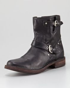 They're UGGs!! Wonder if they're as comfy as their slippers? ;) (Fabrizia Leather Motorcycle Boot)