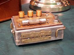 Steampunk Effects Pedals by Mark Svirkov, an electronics engineer who creates specialized Russian equipment for musicians since Diy Guitar Pedal, Guitar Rig, Music Guitar, Cool Guitar, Bass Pedals, Guitar Pedals, Free Online Guitar Lessons, Steampunk Guitar, Custom Bass