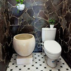 Bathroom Furniture Design, Bathroom Interior Design, Small Toilet Room, Small Bathroom Layout, Room Partition Designs, Tiny Bathrooms, Home Building Design, Toilet Design, Home Design Decor