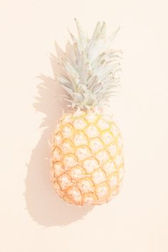 My friend the pineapple gurl takes better selfies than me . irl he's a pineapple, he's the pineapple gurl Minimalist Photography, Pretty Pastel, Grafik Design, Mellow Yellow, Summer Of Love, Pastel Colors, Just In Case, Art Direction, Illustration