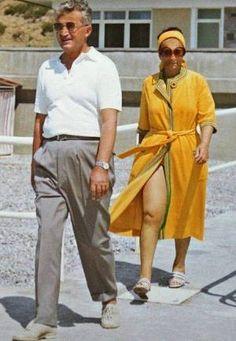 Lovitură de stat 1989 | Nicolae Ceauşescu Preşedintele României site oficial Fidel Castro, Romania, Gq, Sexy, Instagram, Fashion, Military, Venice, History