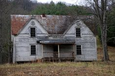 Abandoned Houses, Abandoned Places, Homesteads, Cabin, House Styles, Home Decor, Abandoned Homes, Decoration Home, Room Decor