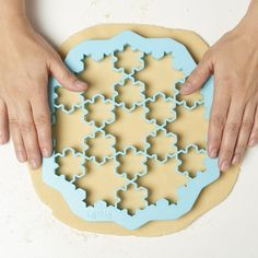 CrousCalogero LEKUE Snowflake Cookie Cutter Design