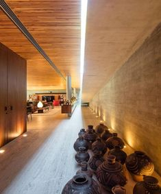 Gallery of Ramp House / Studio - Marcio Kogan + Renata Furlanetto - 26 Arch House, D House, Famous Interior Designers, Modern Interior Design, Interior And Exterior, Architecture Old, Residential Architecture, Natural Architecture, Studio Mk27