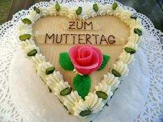21 Happy Mother's Day Quotes in German - Mothers Day Day 2016 Mothers Day Special, Mothers Love, Happy Mothers, Mothers Day Cake Image, Belgium Food, Mather Day, Festival Dates, Happy Mother Day Quotes, Mothering Sunday