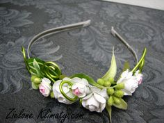 zielone klimaty - kwiaty Lublin Polymer Clay Flowers, Polymer Clay Earrings, Wedding Hair Pins, Bridal Hair, Ivory Wedding, Hair Ornaments, Handmade Polymer Clay, Flower Pendant, Handmade Flowers