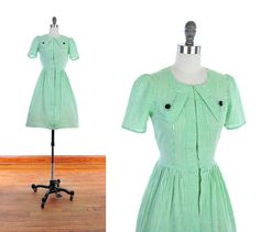 Vintage 1940s Geometric PUFF Sleeve Green and White by NovaVintage, $228.00