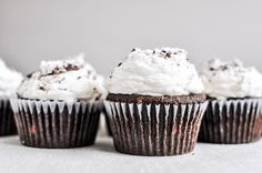 They look amazing, Kahlua and Cream Double Chocolate Chunk Cupcakes with Sweet Cream Kahlua Frosting. These are chocolate cupcakes with white chocolate chips Kahlua Cupcakes, Baking Cupcakes, Chocolate Cupcakes, Cupcake Recipes, Cupcake Cakes, Dessert Recipes, Cup Cakes, Cupcake Ideas, Mini Cakes