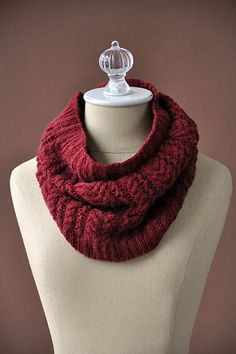 Ravelry: Syrah Cowl pattern by Universal Yarn Knitting Blogs, Knitting Patterns Free, Free Pattern, Easy Knitting, Knitting Ideas, Knitting Projects, Cowl Scarf, Knit Cowl, Knitted Cowls