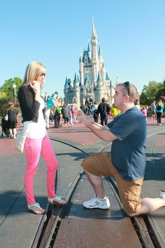 Disney Proposal, I want this!!! Cost to much to get married there so why not just propose to me there!!! :)