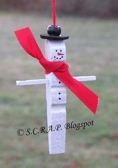 ~ S.C.R.A.P. ~ Scraps Creatively Reused and Recycled Art Projects: Clothespin Snowmen Christmas Tree Ornaments
