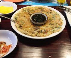 [Comida Coreana] Dariwon Restaurant | Korean Beauty Dream Kimchi, Japchae, Cheeseburger Chowder, Oatmeal, Soup, Breakfast, Sweet Potato Noodles, Sweet Sour Chicken, Stir Fry