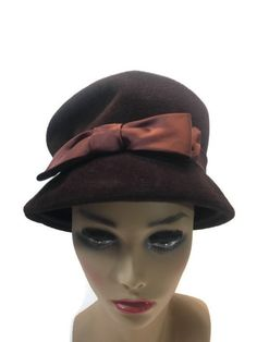 39897e23285 Vintage Cloche Flapper Brown Velvet Satin Bow Hat USA Made