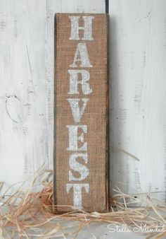 Rustic Burlap Harvest Wood Sign Fall Decor --Orange/deep red letters instead Holiday Signs, Fall Signs, Harvest Decorations, Thanksgiving Decorations, Fall Crafts, Diy Crafts, Fall Harvest, Harvest 2016, Autumn