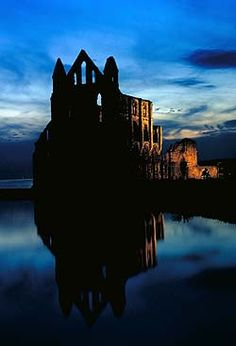 Read: Dracula by Bram Stoker Visit: Whitby Abbey, North Yorkshire Yorkshire England, North Yorkshire, 30 Days Of Night, Whitby Abbey, British Literature, Bram Stoker's Dracula, Living In England, Interesting Buildings, Seaside Towns