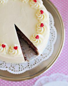 Red Velvet & Cinnamon Layer Cake {and Red Velvet Link Love!}