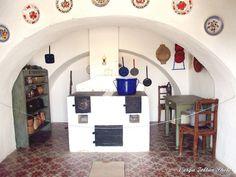 TÖRTÉNELMI KALEIDOSZKÓP...: DÉDANYÁINK BIRODALMA / Többi képért kattints a posztra ! Hungary, Old Photos, Countryside, Europe, Interiors, History, Architecture, Retro, House
