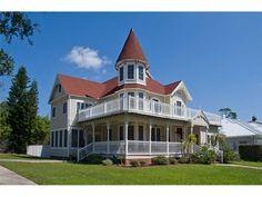 1570 Alexander Rd Clearwater/Belleair - 4 Bedrooms, 3.5 Bathrooms :: Home for sale in Belleair, FL MLS# U7561975. Learn more with The Lockhart Team