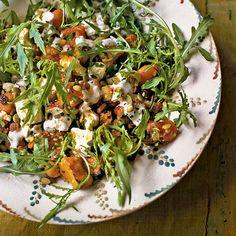 Этот салат особенно вкусен именно с мускатной тыквой.