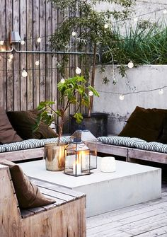 20 Epic Backyard Lighting Ideas to Inspire your Patio Makeover | DIY Outdoor Design Inspiration | Bistro Lights