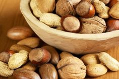 The 5 best nuts Health Articles, Health Tips, La Constipation, Snacks Saludables, Nutrition, Sweet Potato, Smoothie, Berries, Stuffed Mushrooms