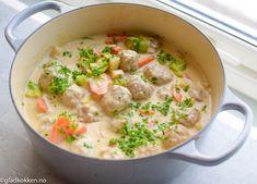 Kjøttboller i lys saus Appetizer Recipes, Soup Recipes, Vegetarian Recipes, Cooking Recipes, Recipies, Norwegian Cuisine, Norwegian Food, Scandinavian Food, Best Dinner Recipes