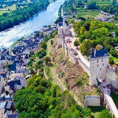 Los pueblos más bonitos del valle del Loira Castillo Feudal, Wonderful Places, Beautiful Places, Chor, Andalucia, Loire, Beautiful Interiors, Paris Skyline, Dolores Park