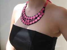 Manualidades y tendencias: Cómo hacer un collar babero / DIY How to make a statement necklace