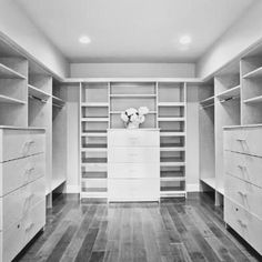 19 Ideas small master closet organization layout house plans for 2019 – Top Trend – Decor – Life Style Small Master Closet, Master Closet Design, Walk In Closet Design, Master Bedroom Closet, Closet Designs, Closet Renovation, Closet Remodel, Organizing Walk In Closet, Bedroom Closet Storage