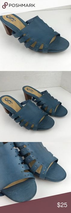 Soft walk sz 91/2WW comfortable blue sandals Very comfortable sandals  Mattress foot bed In excellent conditions  Feel free to ask question/ open to offers. Please see pictures as part of the description. SoftWalk Shoes Sandals