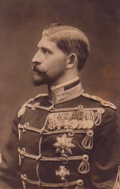 Ferdinand Viktor Albert Meinrad, known as Ferdinand I of Romania Sigmaringen (German Confederation) August 24 1865 Sinaia (Kingdom of Romania) July 20 1927 King of Romania from 10 October 1914 until his death in Old Pictures, Old Photos, Vintage Photographs, Vintage Photos, Romanian Royal Family, Blue Bloods, Royal House, Ferdinand, Queen Victoria
